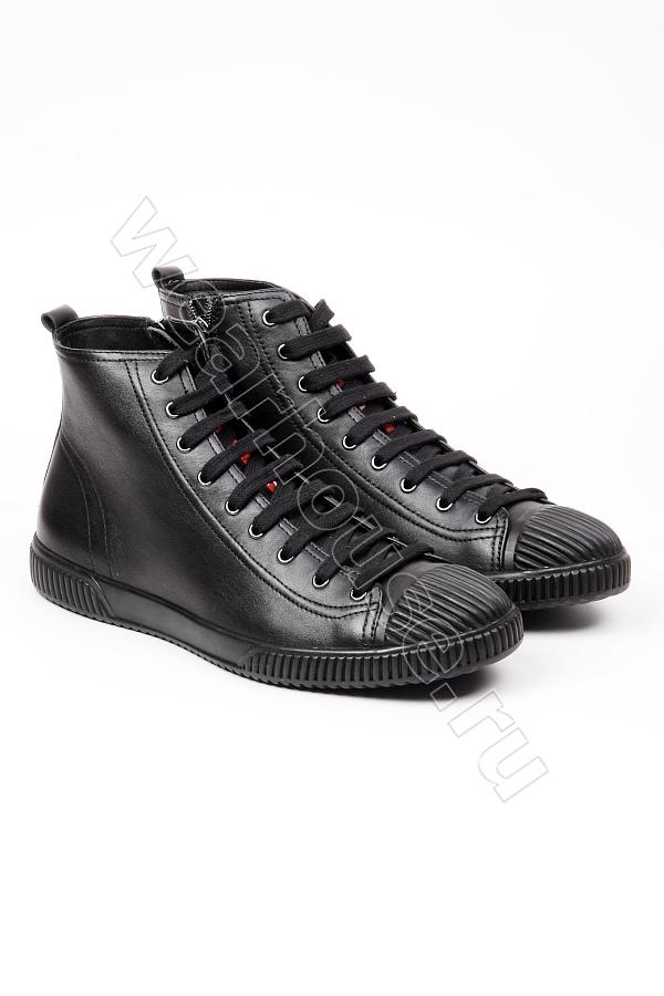 5ab3be525122 Мужские кожаные высокие кеды на меху Prada. Купить в интернет ...