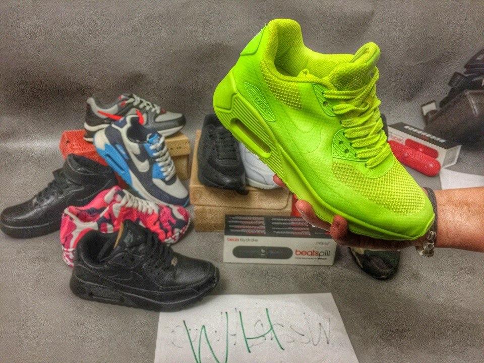 Женские кроссовки Nike Air Max ярко кислотного цвета. Купить в ... 63b6aaca8b1